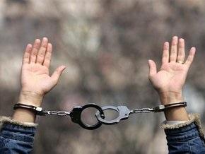 В Кривом Роге задержали автомобиль с арсеналом оружия и наркотиками