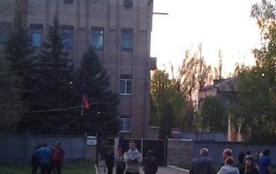 В Краматорске сторонники федерализации заняли здание СБУ