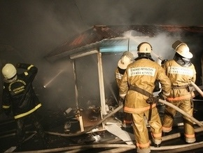 Во Львове начался крупный пожар на рынке Левандовский