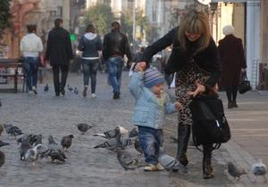 МОЗ: Каждая украинка должна родить три-четыре ребенка