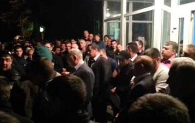 Неизвестные пытаются сорвать переговоры между администрацией и работниками Краснодонуголь
