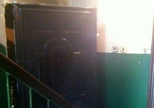 Донецкая милиция возбудила уголовное дело по факту поджога двери известного журналиста
