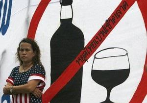 Исследование: Женщины, отказывающиеся от алкоголя, сильнее полнеют
