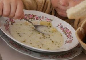 СМИ: В еде для киевских школьников врачи обнаружили тяжелые металлы