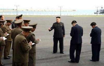 Летописцы  Ким Чен Уна. Почему за лидером КНДР ходят люди с блокнотами