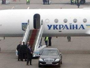 Самолет Ющенко не смог вылететь из столицы ОАЭ
