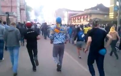 Харьков: драка ультрас и активистов с георгиевскими ленточками