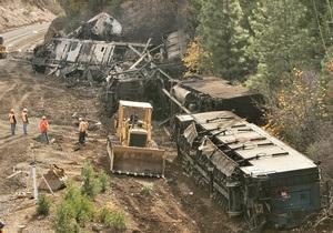 В США пять человек погибли и 100 пострадали в железнодорожной катастрофе
