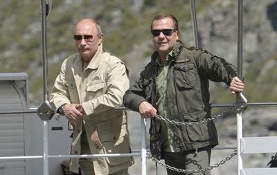 Путин и Медведев 9 мая могут посетить Крым