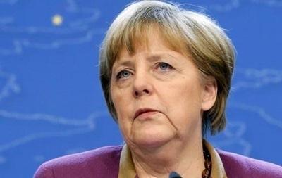 Меркель поддержала санкции США и ЕС против России