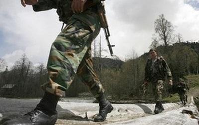 Возле украинской границы перемещается российская бронетехника и вертолеты – Госпогранслужба