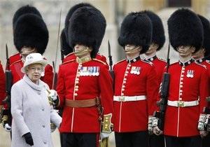 Новости Великобритании - странные новости: Солдат элитного полка британской гвардии поразила вспышка чесотки