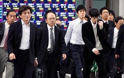 Японским служащим разрешили ходить на работу без галстуков