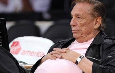 Обвиненный в расизме президент клуба NBA борется со страшной болезнью