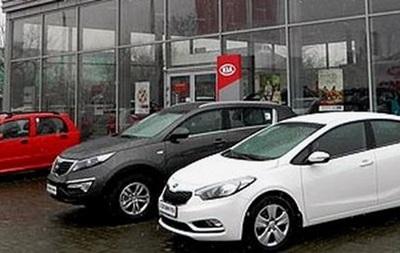Вооруженные люди  экспроприировали  20 новых автомобилей из автосалона Горловки
