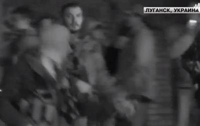 При штурме военкомата в Луганске ранен срочник - МВД