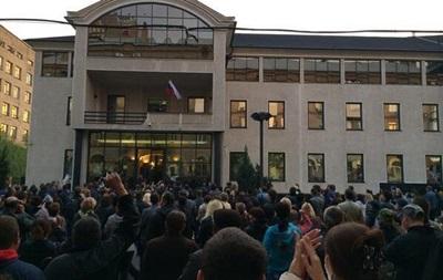 В Донецке активисты разгромили офис Таруты - СМИ