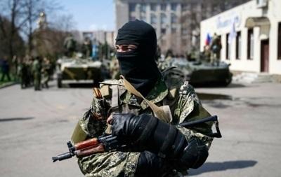 В Луганске слышна стрельба, есть раненные
