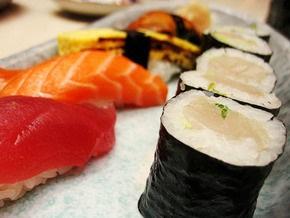 Корреспондент: Украинцы стали предпочитать борщу суши