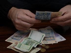 Размер реальной зарплаты снизился более чем на 10%