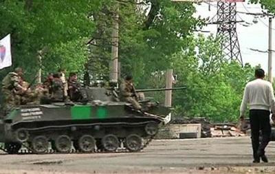 Бои за Славянск: погибшие и раненые с обеих сторон - репортаж BBC