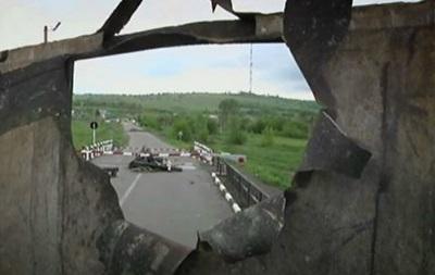 Славянск: бои все жестче, но исход неясен - репортаж BBC