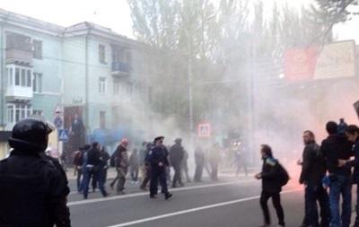 В Донецке заблокировали воинскую часть и военный лицей – СМИ