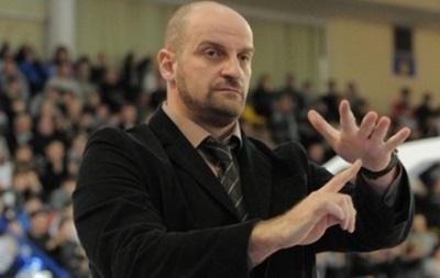 Тренеры Азовмаша покидают Украины по требованию посольства