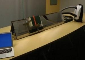 Инженеры совместили сканер для книг с пылесосом