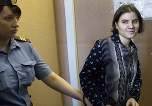 Жалоба условно осужденной участницы Pussy Riot на адвокатов дойдет до суда