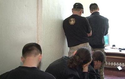 В Харькове задержаны десять человек в бронежилетах и с дубинками - МВД