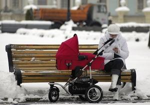 В Киеве установили первые антивандальные скамейки