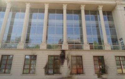 В Мариуполе неизвестные напали на офис брата Таруты