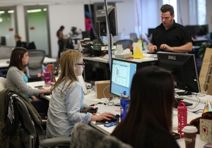 Корреспондент: Золотые кадры. Рейтинг окладов и премий офисных сотрудников в разных отраслях