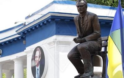 Легенды украинского спорта почтили память Лобановского
