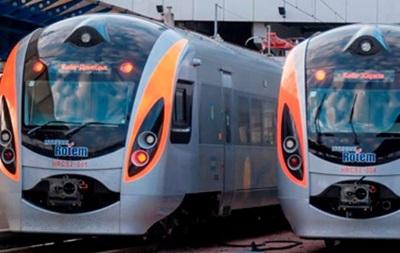 Поезд Hyundai возвращается на маршрут Днепропетровск - Киев