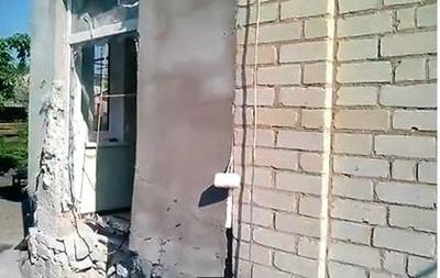 В Славянске снаряд попал в жилой дом – соцсети
