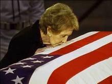 Бывшая первая леди США госпитализирована