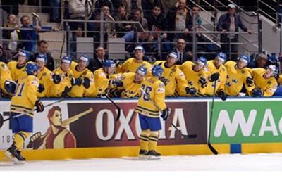 Хоккей: Швеция и Финляндия делают шаг к выходу в четвертьфинал