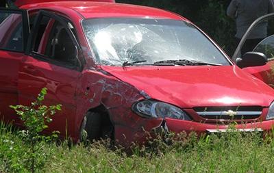 В Луганске на блокпосту обстреляли автомобиль: есть погибший и раненые