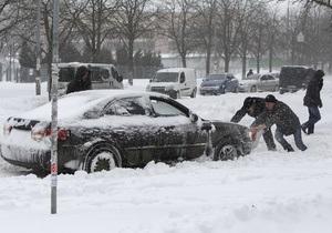Киевские коммунальщики недооценили угрозу снегопада в городе
