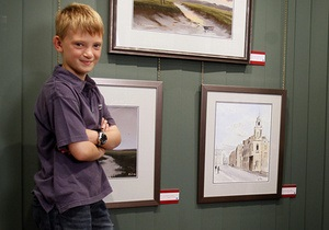 Девятилетний британский художник заработал собственными картинами на дом