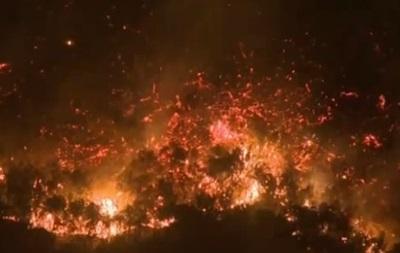 В Калифорнии бушуют природные пожары