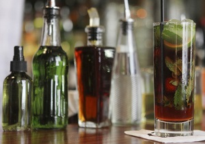 СМИ: В турецкие отели поставляли алкоголь с примесями мочи