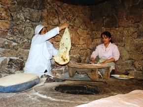 Узбек попал в рабство к крымскому торговцу лавашами