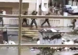 Самолет с раненными в Сирии западными журналистами вылетел в Париж