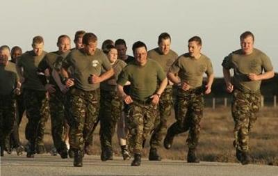 Правительство Великобритании пополняет ряды армии несовершеннолетними - СМИ