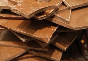 Сладкая месть: Россия намерена ввести пошлины на шоколад, стекло и уголь из Украины