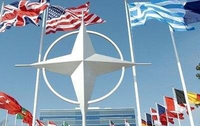 НАТО увеличит активность на Балтике и на Черном море - Расмуссен