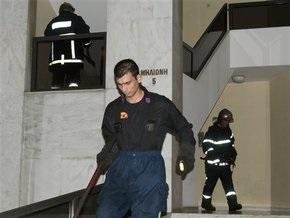 Анархисты сожгли машину боснийского посольства в Греции и попытались поджечь офис Франс Пресс